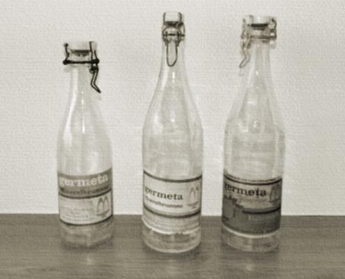 Germeta Wasserflaschen mit altem Etikett
